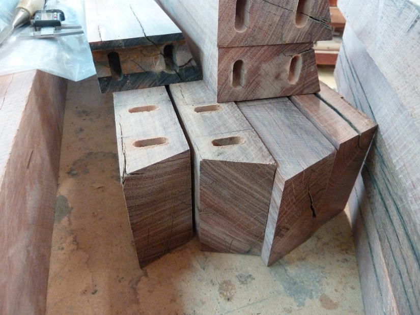 Trestle outdoor table ivan bulling furniture and interior designers dunedin invercargill - Hemp rope craft ideas an authentic rustic feel ...